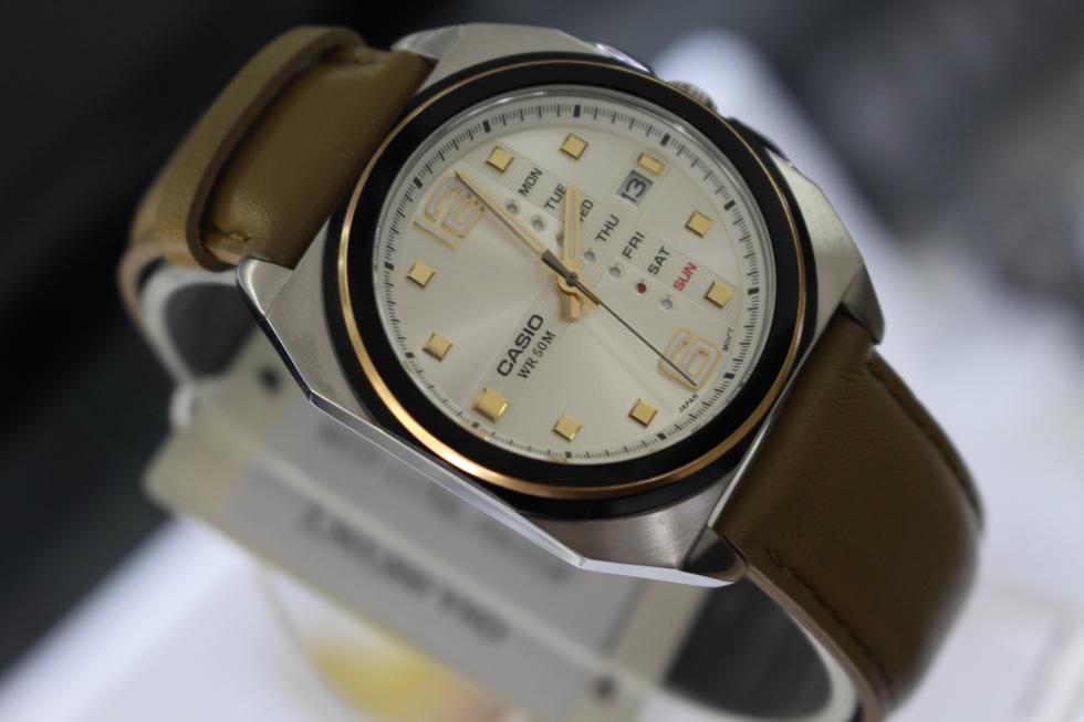 Đồng hồ nam dây da cao cấp với nhiều màu sắc khác nhau