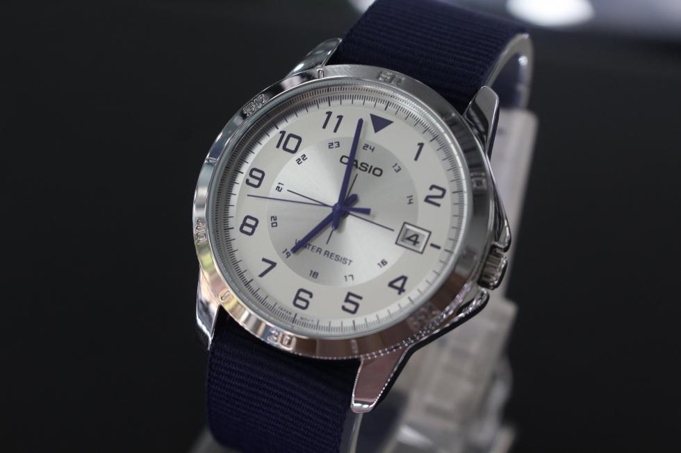 Đồng hồ Casio dây dù MTP-V008B-7BUDF