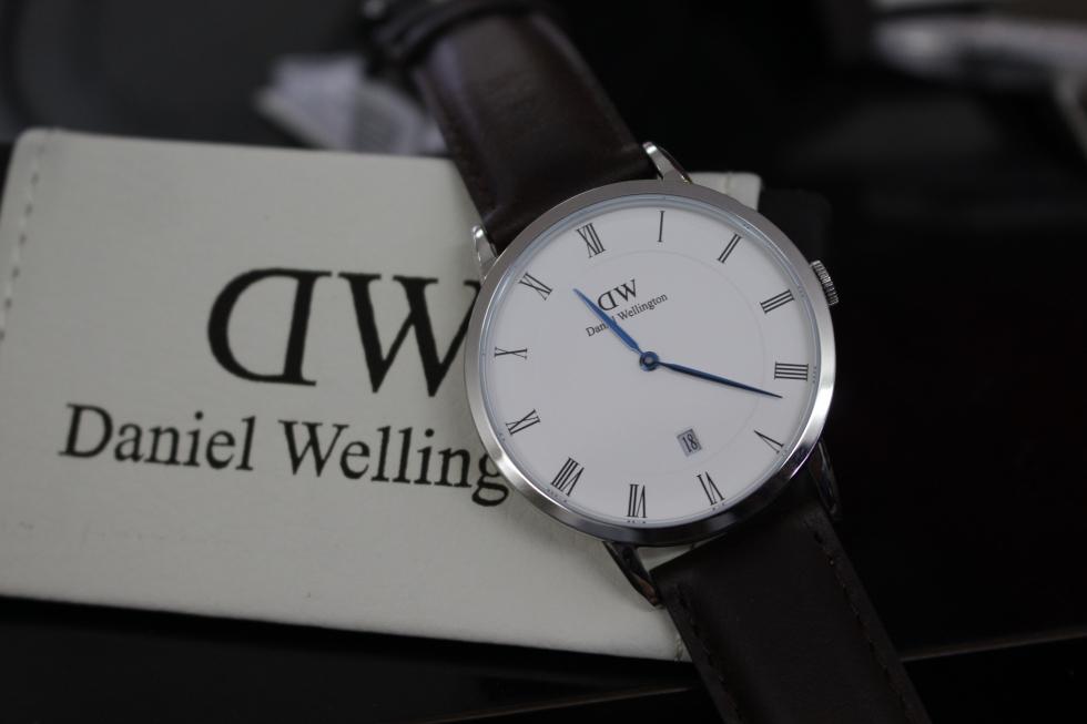 Đồng hồ Daniel Wellington DW00100090 kim xanh
