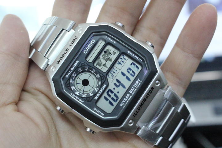 Chi tiết mặt đồng hồ Casio nam AE-1200WHD-1AVDF
