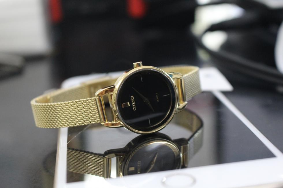 đồng hồ citizen nữ dành tặng mẹ 20-10