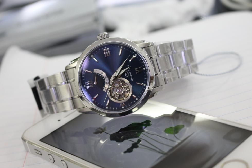 Đồng hồ cơ Orient Star WZ0081DA tinh xảo đến từng đường nét