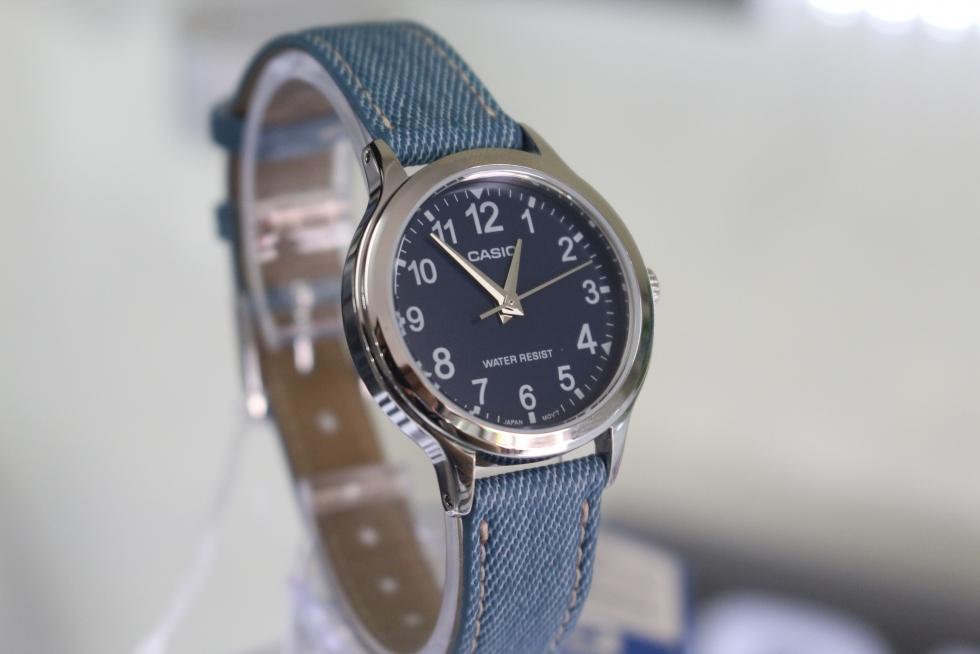 Đồng hồ nữ Casio LTP-1390LB-2BDF dây da màu xanh