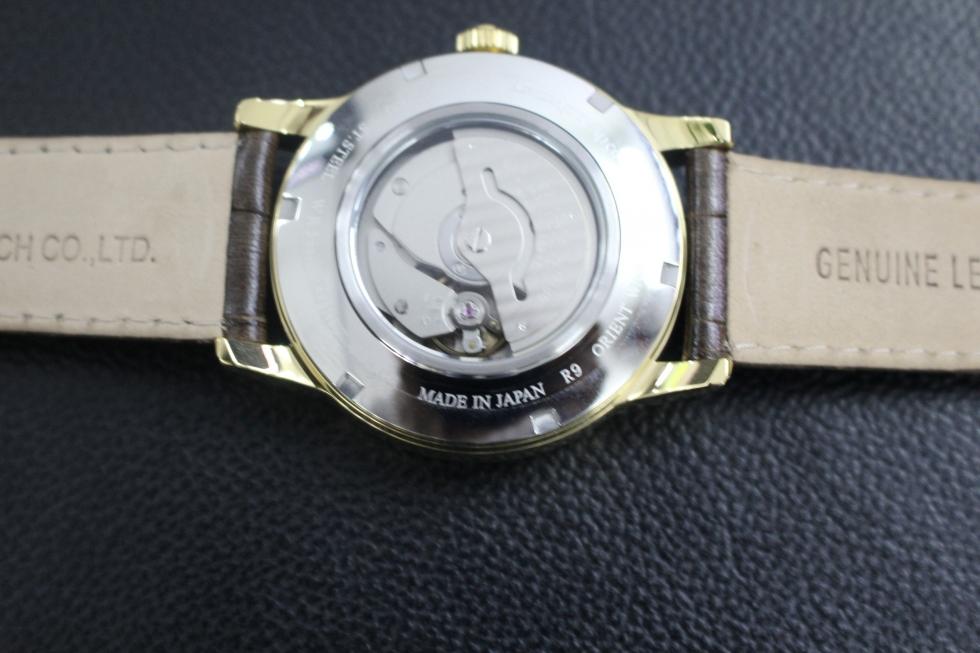 chiếc đồng hồ Nhật Bản có ghi made in Japan
