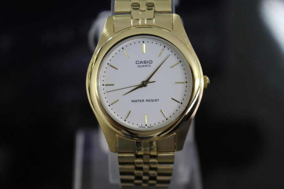 chiếc đồng hồ có độ chịu nước 30M