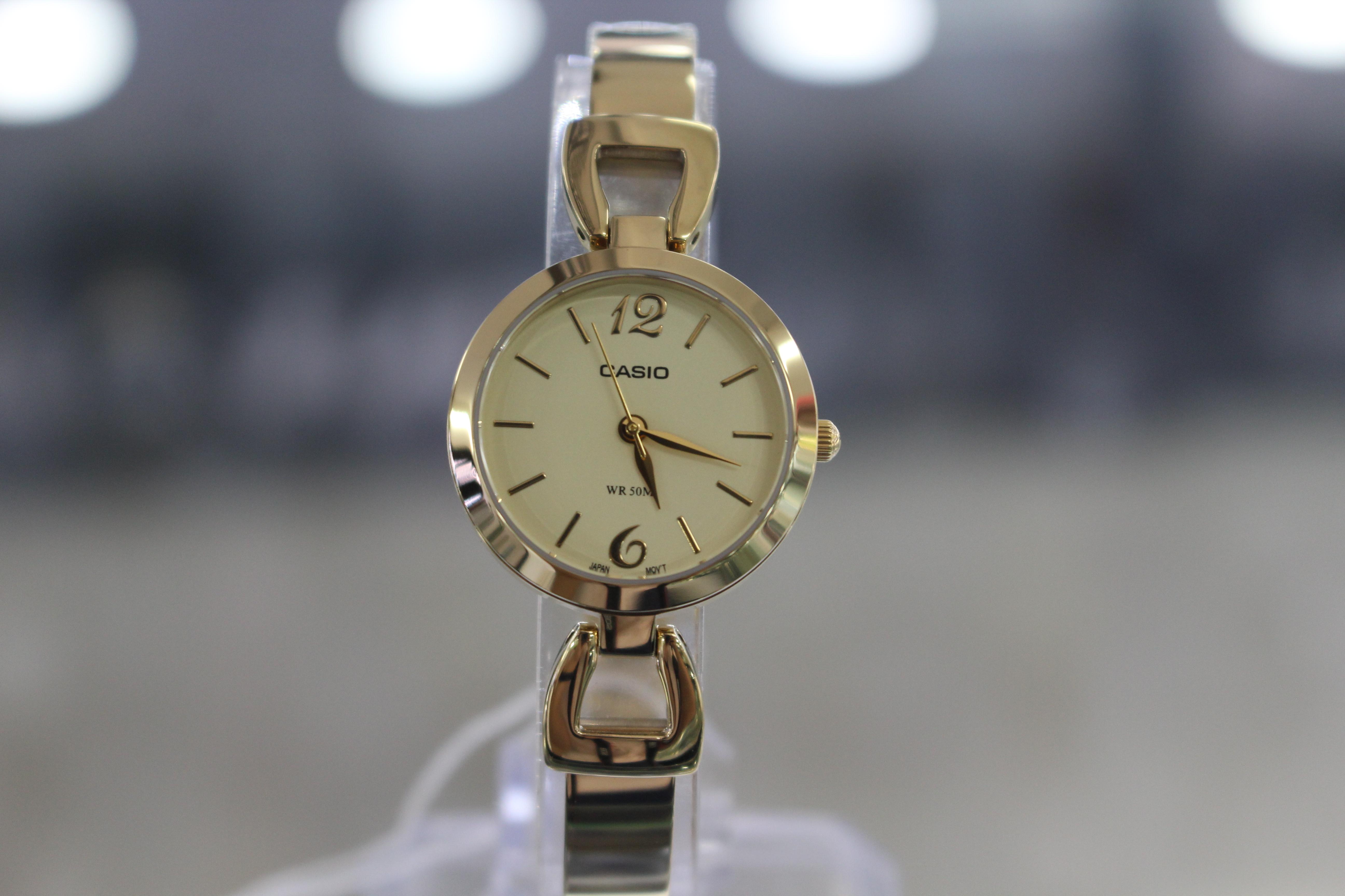 Đồng hồ Casio nữ LTP-E402G-9AVDF mạ vàng cho những cô nàng mệnh Hỏa