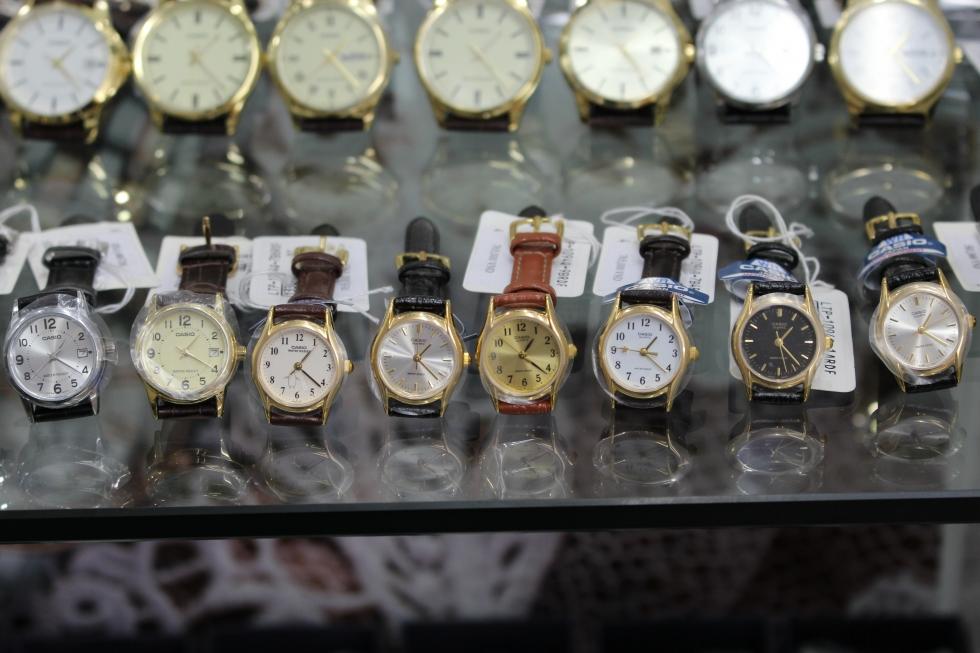 Một số mẫu đồng hồ nữ cao cấp dây da Casio