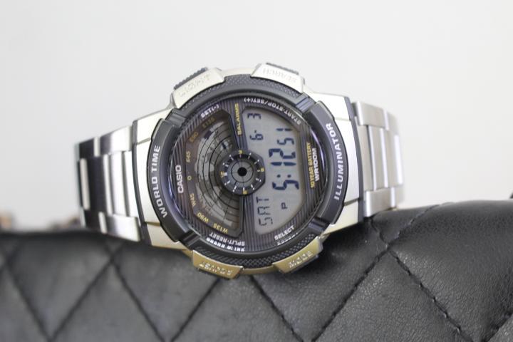 Đồng hồ Casio Illuminator AE-1100W-1AVDF không quá hầm hố, lại mang vẻ đẹp hiện đại nên rất được ưa chuộng