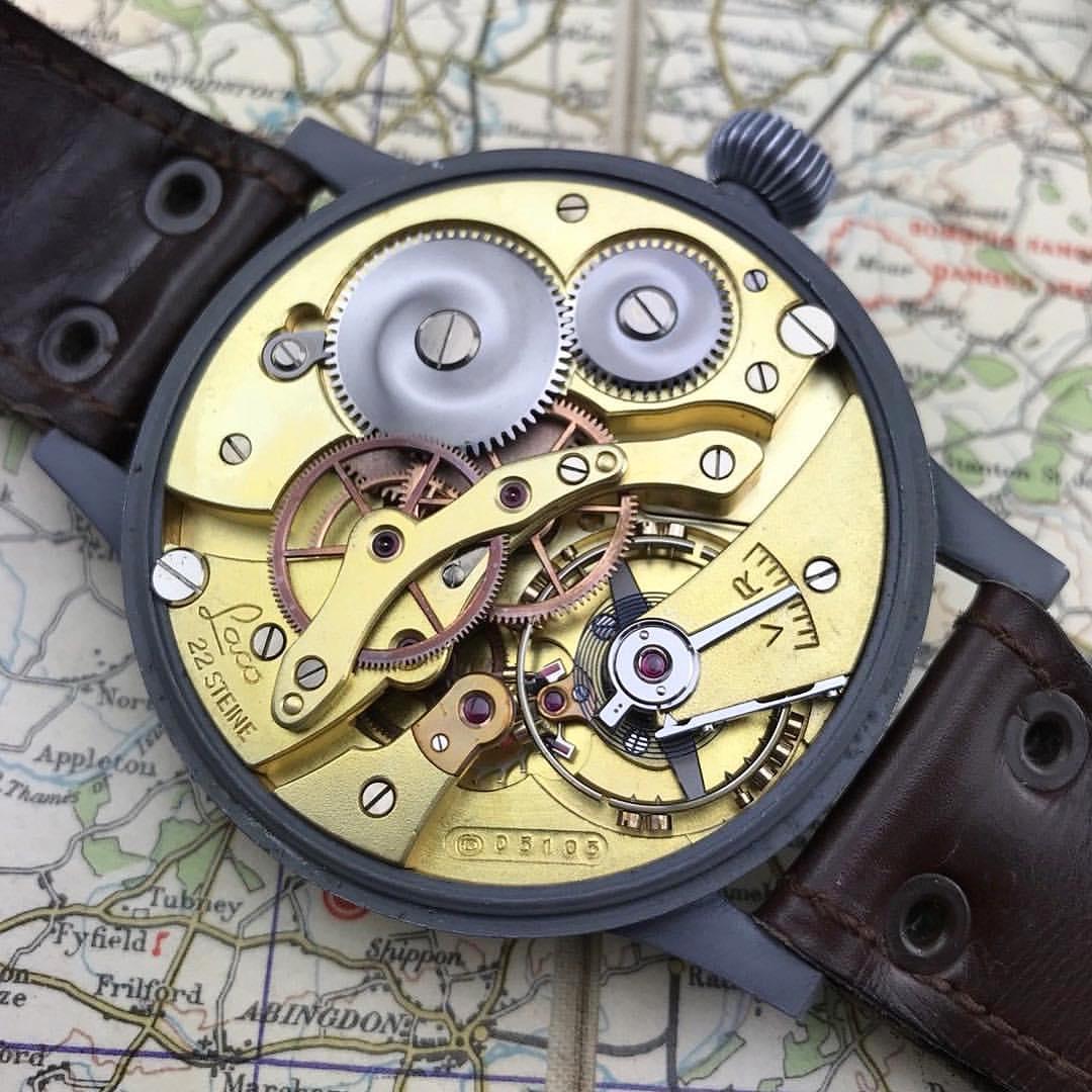 Những chiếc đồng hồ sở hữu chức năng Hand Winding thường có thiết kế mỏng và đơn giản khi sửa chữa hơn