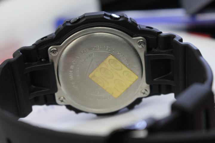 Mặt sau đồng hồ Casio nam G-Shock DW-5600MS-1DR