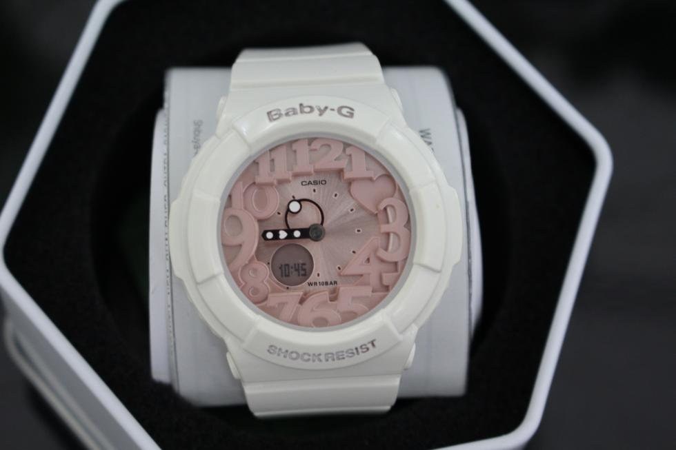 đồng hồ casio baby màu trắng