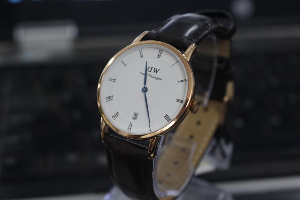 Đồng hồ Daniel Wellington DW00100093 kim xanh