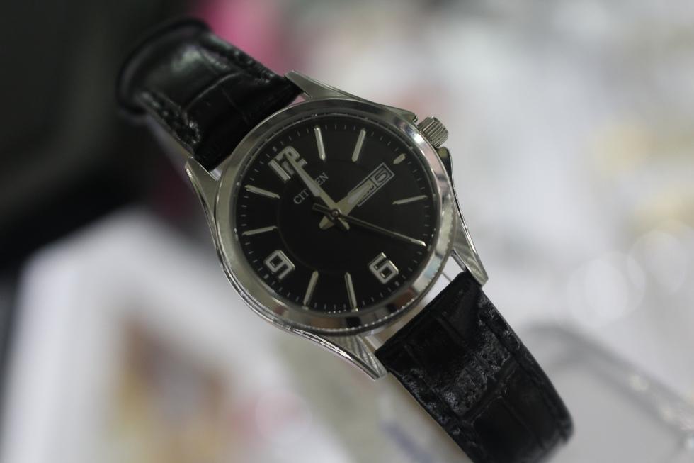 Đồng hồ Citizen nữ EQ0591-13E