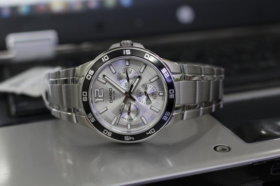 Đồng hồ nam 6 kim Casio MTP-1300D-7A1VDF