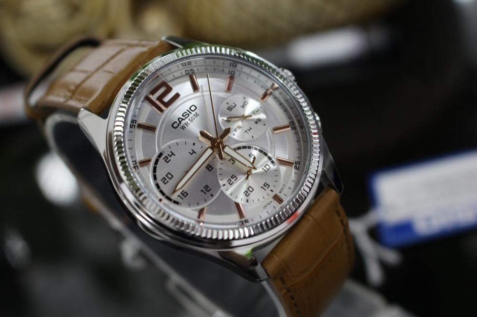 Đồng hồ nam 6 kim Casio MTP-E305L-7A2VDF