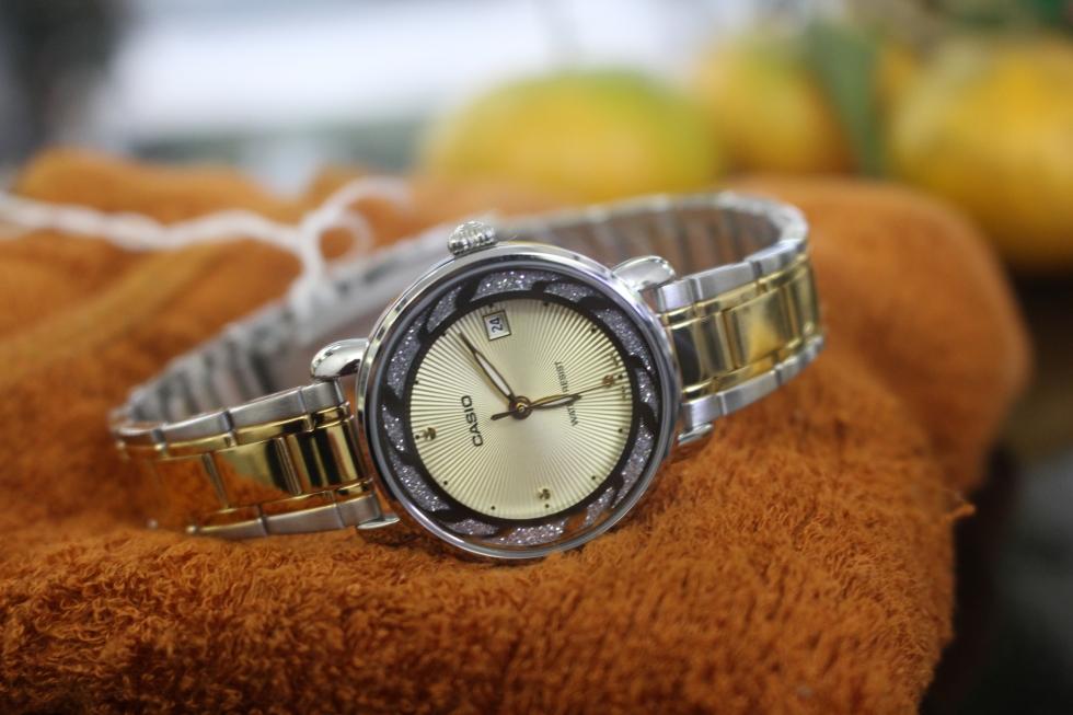 Đồng hồ Casio nữ LTP-E120SG-9ADF nổi bật cho những cô nàng cá tính