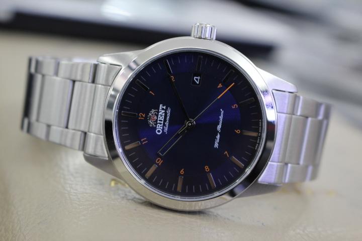 Đồng hồ cơ Orient nam FAC05002D0 tinh tế trong từng đường nét