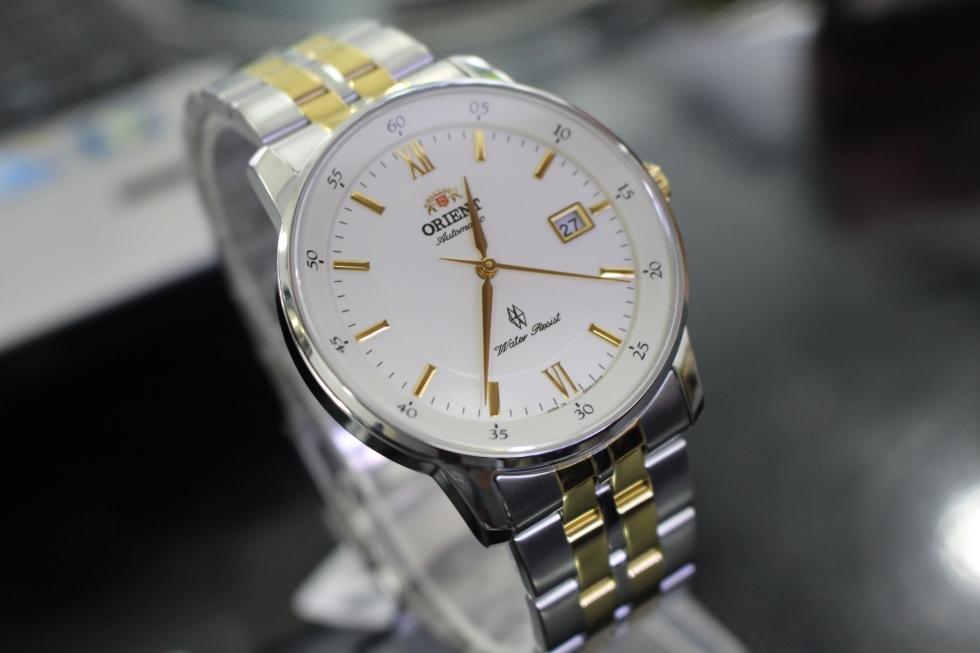 đồng hồ nam mặt tròn to dây kim loại