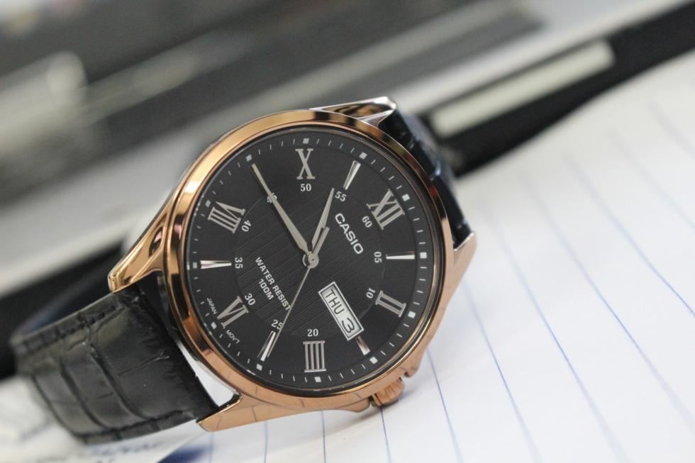 Đồng hồ Casio nam MTP-1384L-1A2VDF được thiết kế theo phong cách cổ điển