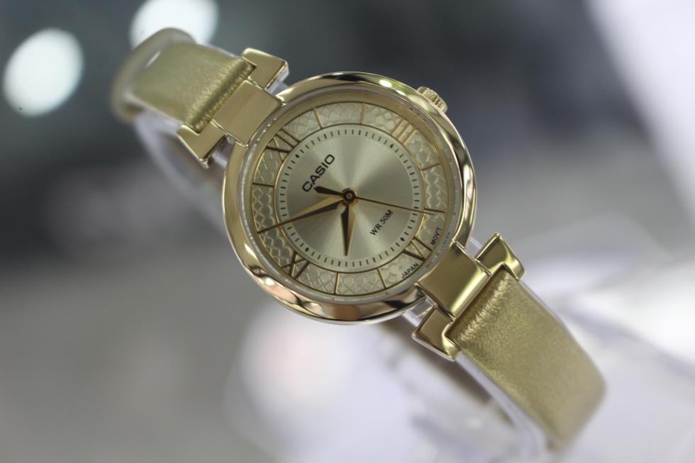 Đồng hồ nữ dây da Casio LTP-E403GL-9AVDF