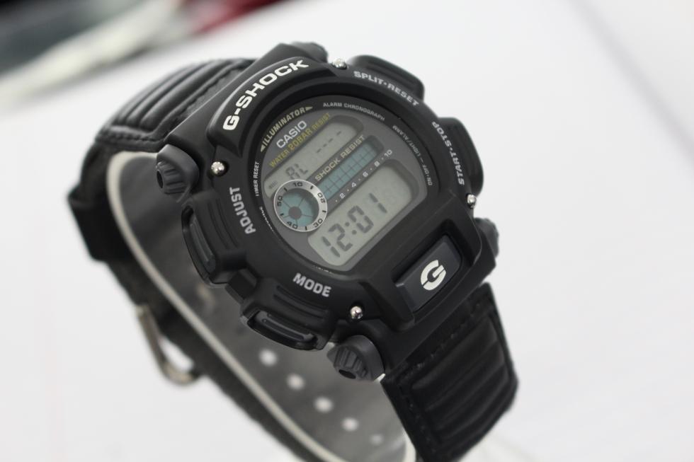 Đồng hồ Casio G-Shock DW-9052V-1DR