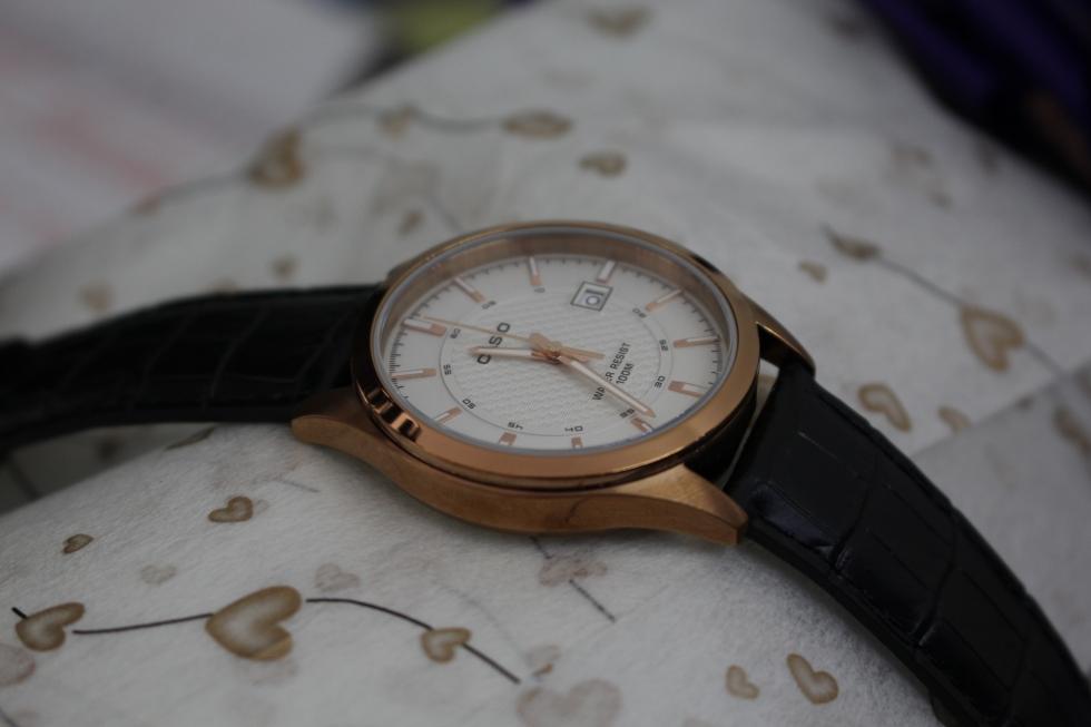 Thiết kế đẹp mắt của mẫu đồng hồ Casio nam giá 2 triệu Casio MTP-1376RL-7AVDF