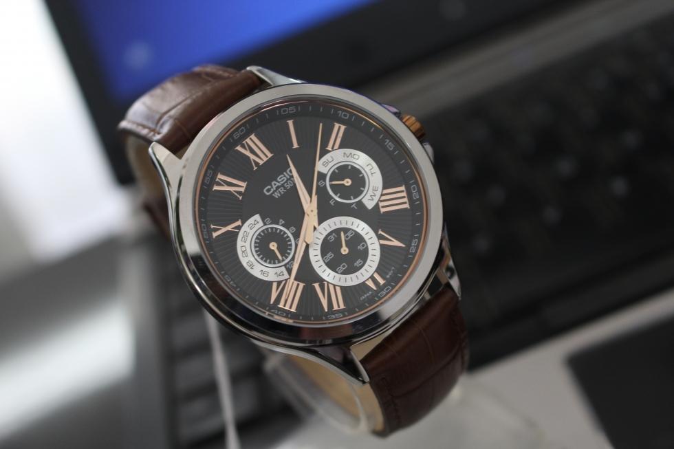 Đồng hồ nam đẹp để diện đi chơi