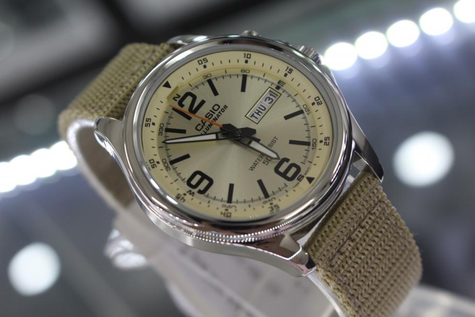 Đồng hồ Casio dây dù MTP-E201-9BVDF