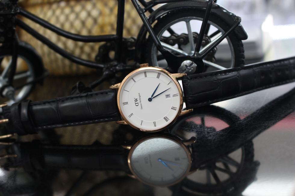 Đồng hồ Daniel Wellington DW00100118