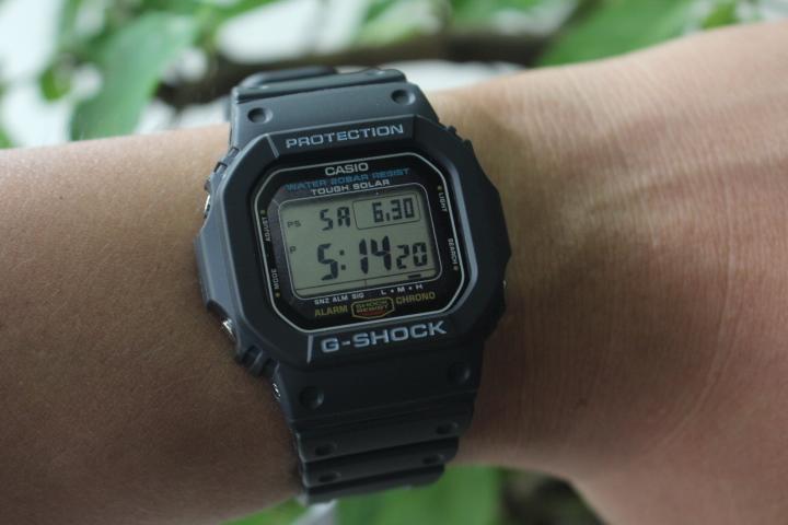 đồng hồ Casio Gshock 5600 khi đeo trên tay