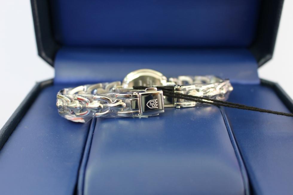 Phần quai đeo rất chắc chắn của chiếc đồng hồ nữ dưới 3 triệu Olym Pianus OP2461DLS