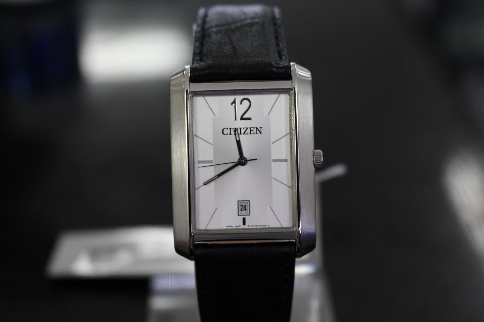 đồng hồ nam Citizen mặt vuông