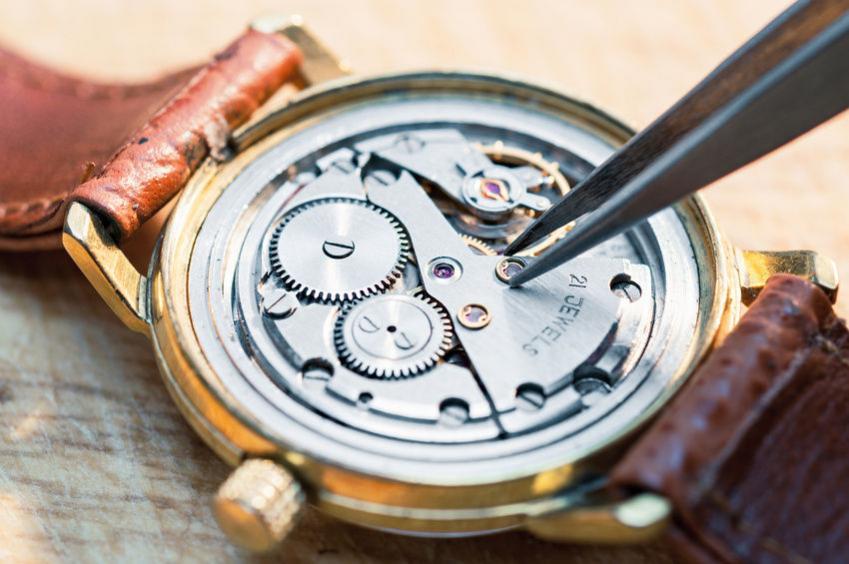 cỗ máy đồng hồ lên giây
