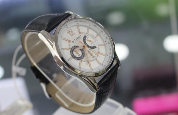 Đồng hồ nam dây da giá rẻ Hà Nội